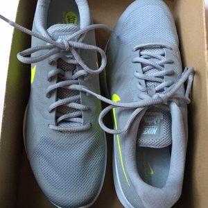 c22b3e899da662 Nike Shoes - Wmn City Cross Trainer women s 909013014 gray new